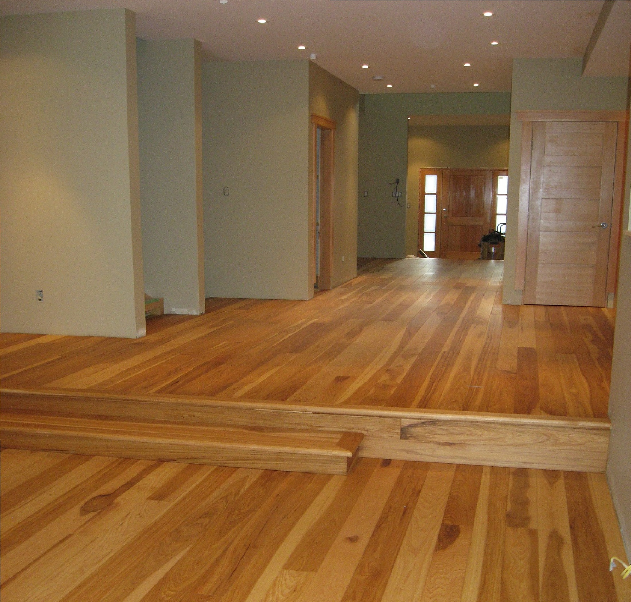 Wide Plank Hardwood Natural Series Hickory