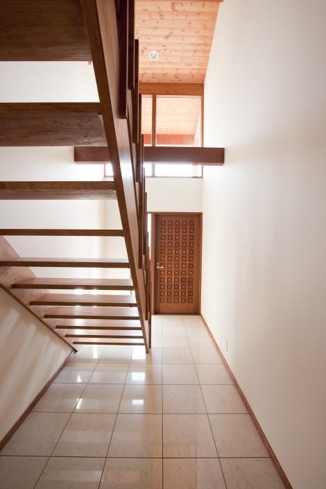Floating White Oak Hardwood Stairs