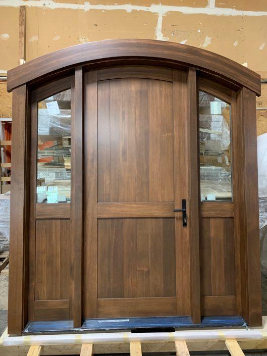 Front Arched Door - Vertical Grain